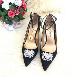 NWOT Badgley Mischka Mack&James Black Glitter Shoe